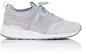 New Balance MEN'S 997 SUEDE SNEAKERS - LIGHT GRAY SIZE 10 M