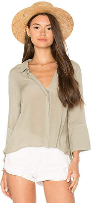 Bella Dahl Flutter Sleeve Tie Back Shirt