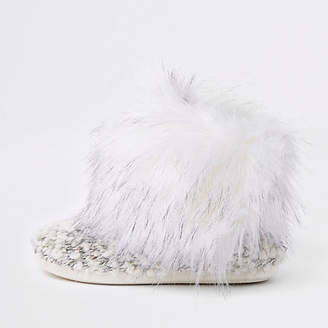River Island Cream knit faux fur trim boot slippers