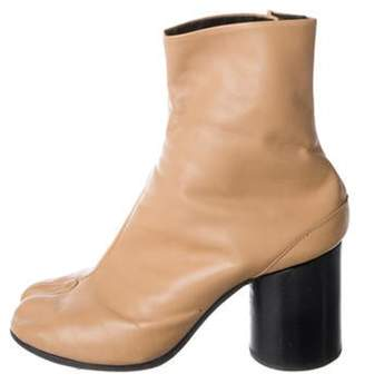 Maison Margiela Vintage Tabi Leather Round-Toe Ankle Boots Tan Vintage Tabi Leather Round-Toe Ankle Boots