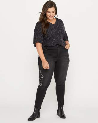 Slightly Curvy Skinny Leg Jean with Embroidery - d/C JEANS