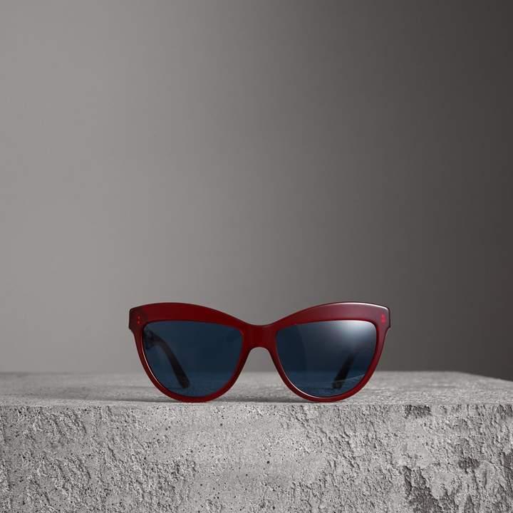 ad5bd676b45 Burberry Doodle Cat-eye Frame Sunglasses detail image