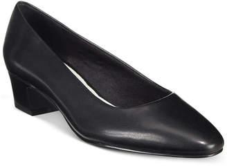 Easy Street Shoes Prim Kitten Heel Pumps Women's Shoes