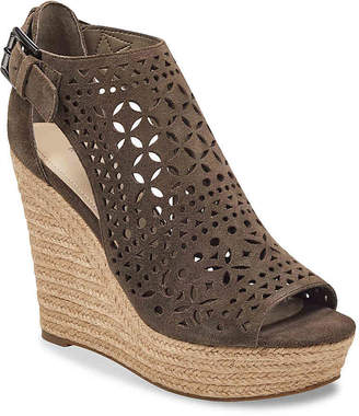 b0b2b342abf Marc Fisher Helda Wedge Sandal - Women s