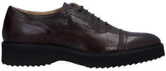 Logan Lace-up shoe