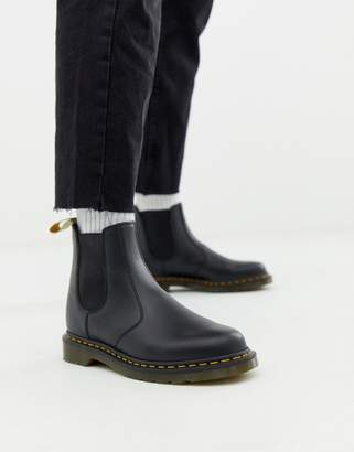 Dr. Martens Vegan 2976 chelsea boots in black smooth