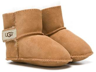 UGG touch strap boots