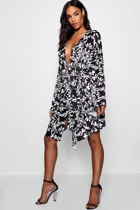 boohoo Tall Kimono Tie Detail Dress