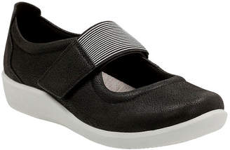 Clarks Womens Sillian Cala Slip-On Shoe Closed Toe