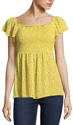 BY AND BY by&by Short Sleeve Scoop Neck Crepon Blouse-Juniors