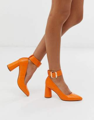 London Rebel circular heeled shoes in orange croc