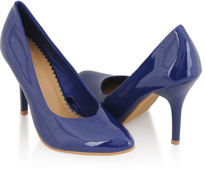 Style deals Closed Toe Patent Leatherette Pumps