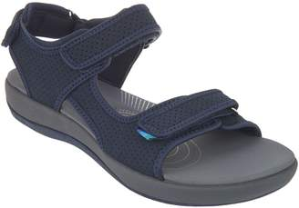 b08b380c1e2e at QVC · Clarks CLOUDSTEPPERS by Adjustable Sport Sandals - Brizo Sammie