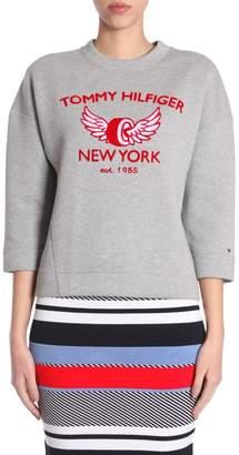 Tommy Hilfiger (トミー ヒルフィガー) - Comfort Fit Logo Sweatshirt