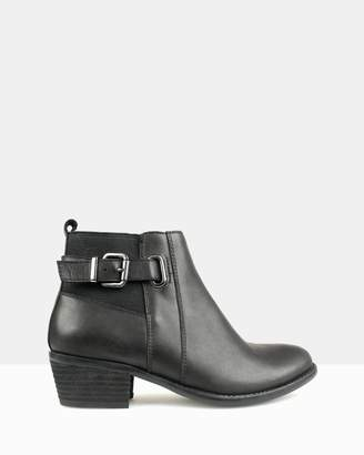 betts Bootscoot Leather Ankle Boots