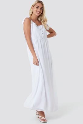 89b40ca3d4c NA-KD Tie Shoulder Maxi Dress White