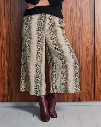 Fashion World Tall Snake Print Wide Culottes