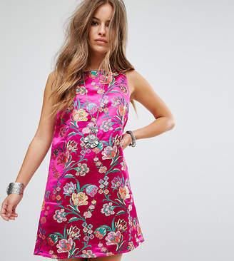 Glamorous Petite Sleeveless Shift Dress In Metallic Brocade