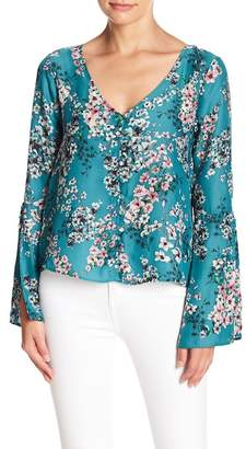 Cupcakes And Cashmere Nadette Bell Sleeve Blouse