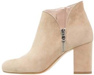 Kiomi Ankle boots beige