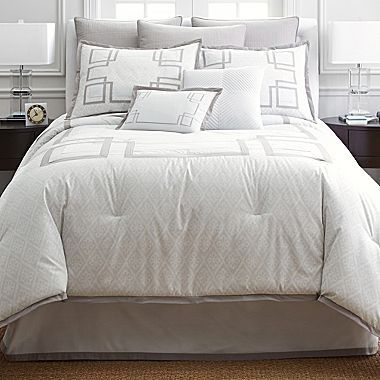 Liz Claiborne Ingrid Comforter Set & Accessories