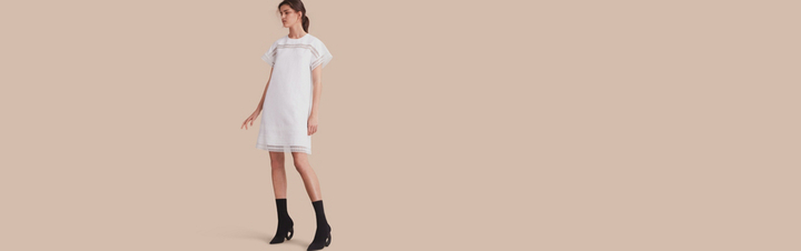 Burberry Short-sleeved Macramé Lace Detail Silk Blend Dress