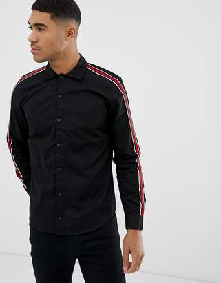 Pull&Bear regular fit shirt with side stripe in black