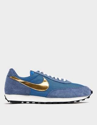 Nike Daybreak Sneaker in Ocean Fog/Metallic Gold