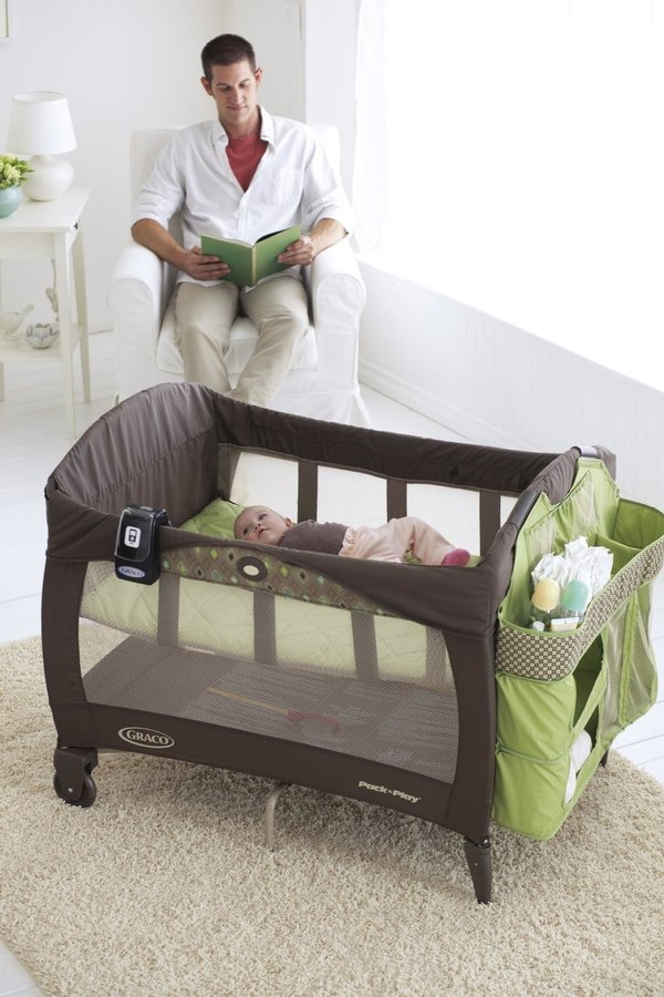 Graco Pack 'n Play Playard with Newborn Napper - Vance