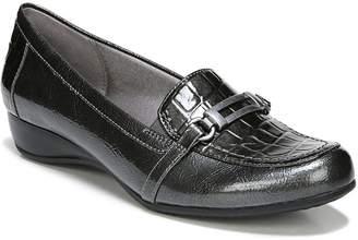 LifeStride Demure Women's Faux-Crocodile Wedge Loafers