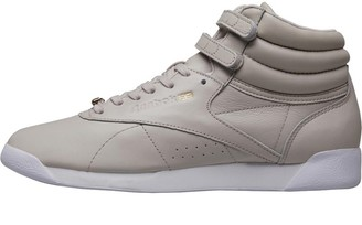 f004158fc2e Reebok Classics Womens Freestyle Hi Muted Trainers Sandstone White