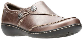 Clarks Womens Slip-On Shoe Closed Toe