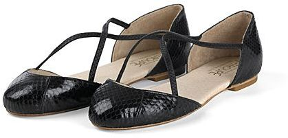 F-Troupe Cross Strap Ballet Flat