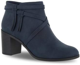 Easy Street Shoes Reed Women's Ankle Boots