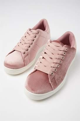 Cathryn Sneaker