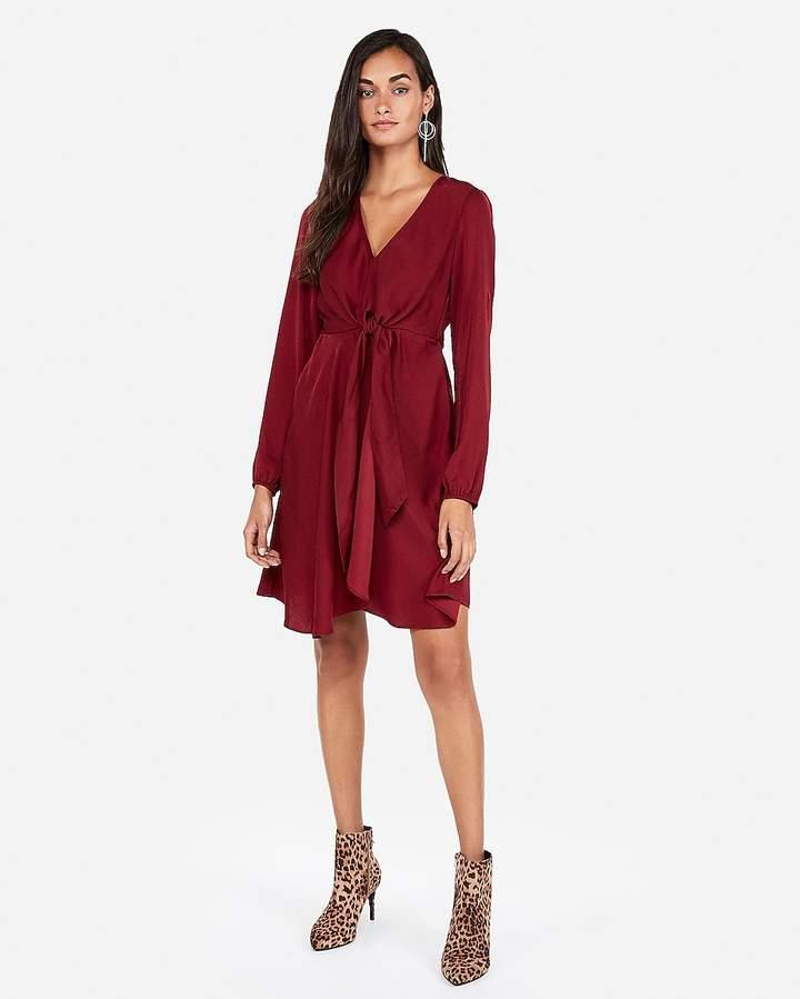 Express Petite Knotted V-Neck Dress