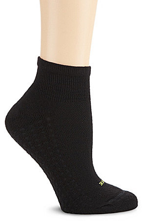 HUE Air Cushion Sport Quarter Top Moisture Control Socks 3-Pack