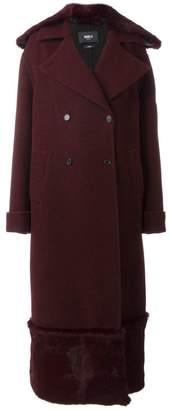 Yang Li long fur detail overcoat