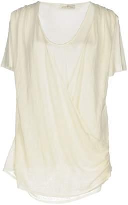 Della Ciana T-shirts