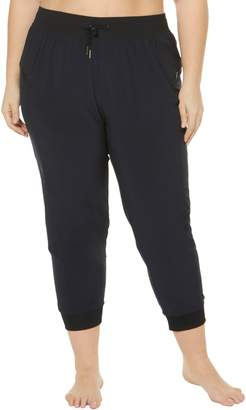 SHAPE ACTIVEWEAR City Woven Capri Pants