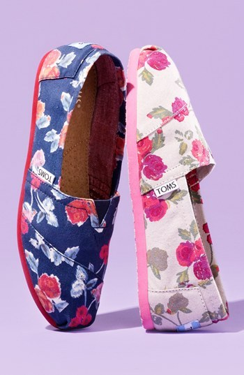Toms 'Classic - Navy Floral' Slip-On (Women)