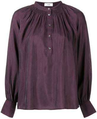 Closed buttoned blouse
