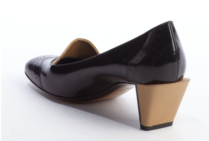 Fendi Black And Tan Leather Low-Heel Wingtip Loafers