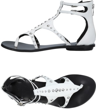 KENDALL + KYLIE Toe strap sandals