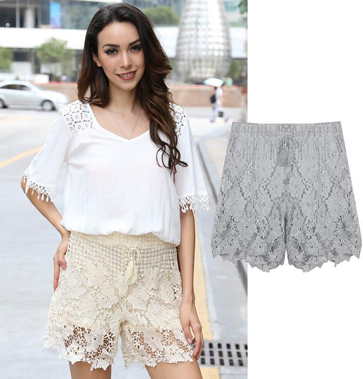 Shorts mit floralem Häkel-Überwurf