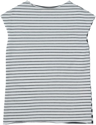 Amelia T-shirts
