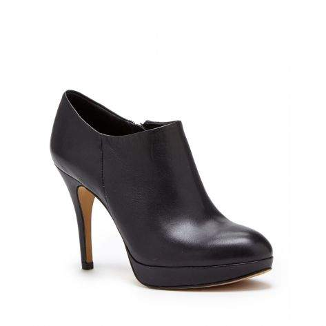 Elvin leather bootie