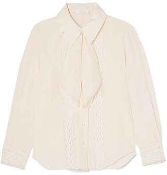Chloé Pussy-bow Lace-trimmed Silk Crepe De Chine Blouse - Ivory