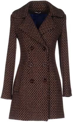 Noshua Coats