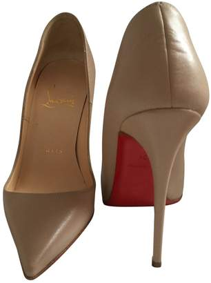 Christian Louboutin So Kate Beige Leather Heels